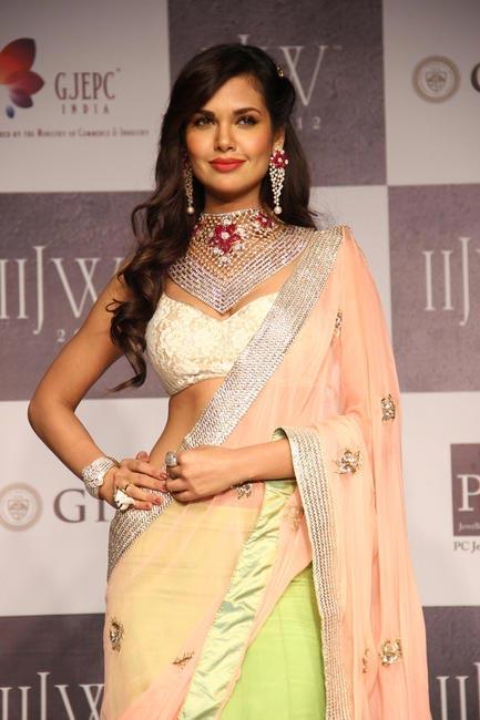 IIJW 2012 - Esha Gupta