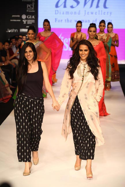IIJW 2012 - Walking the ramp for Gitanjali (Asmi) - Nishka Lulla and Neha Dhupia