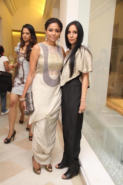 Kalyani Saha with Anamika Khanna