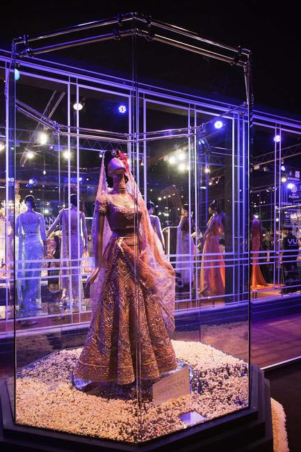 Swarovski Elements Spectacular Piece at Tarun Tahiliani Couture Exposition 2012