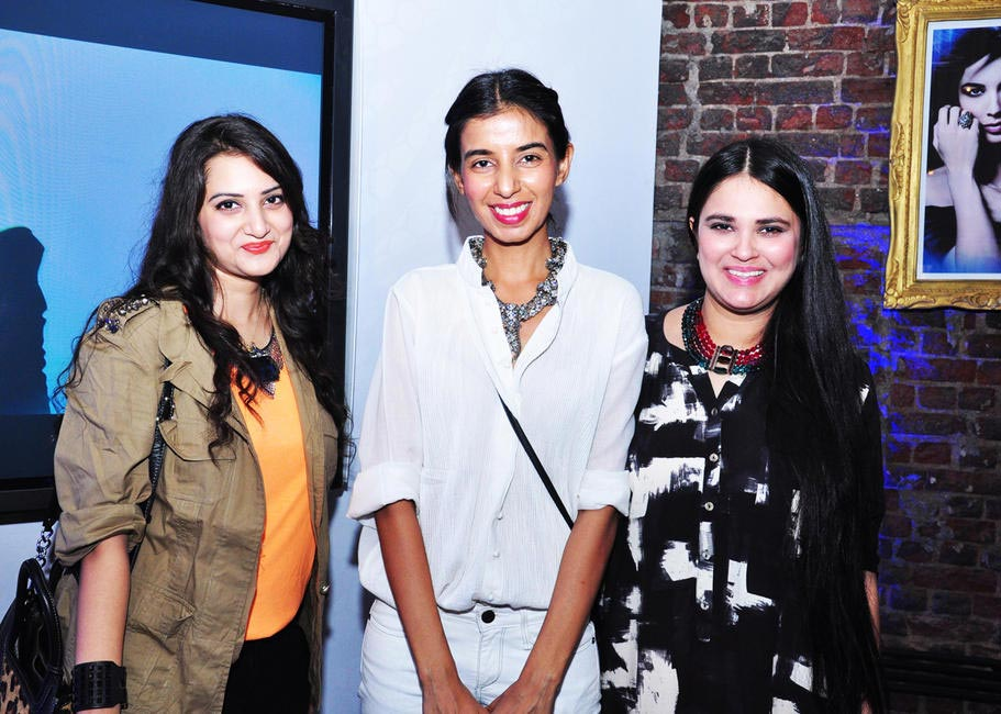 Bloggers Sonu and Jasleen from Fashion Bombaywith Ekta Rajani