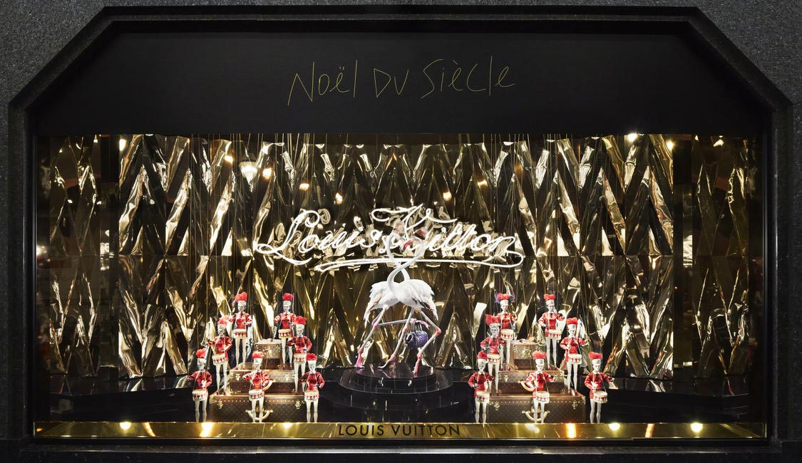 Louis Vuitton Window dislay 5
