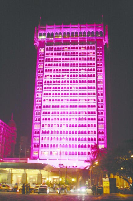 ELC BCA Global Landmarks PInk Illumination Initiative with Taj Mahal Palace Hotel, WCI TMH and Ogaan, Picture Courtesy Estee Lauder