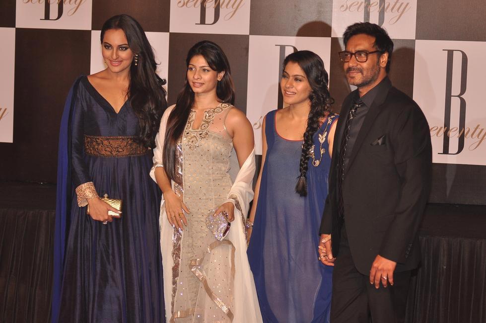 L-R: Sonakshi Sinha, Tanisha Mukherjee, Kajol and Ajay Devgn