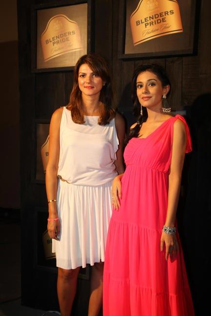 At Blenders Pride FashionTour Preview-Nandita Mahtani and Amrita Rao