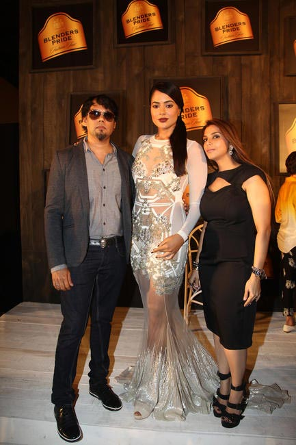 At Blenders Pride FashionTour Preview-Shane and Falguni Peacock with Sameera Reddy