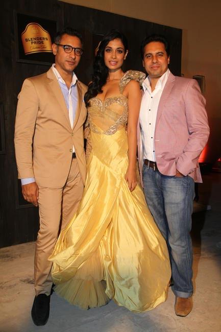 At Blenders Pride FashionTour Preview- Shantanu and Nikhl with Sarah Jane Dias