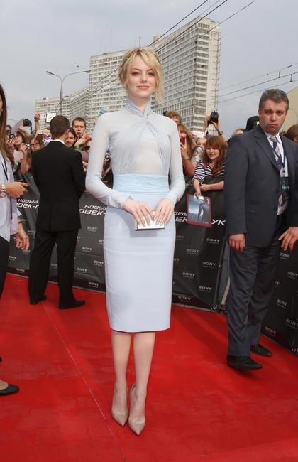 Emma Stone in Emilio Pucci with Jennifer Behr�??s laurel leaf hair piece