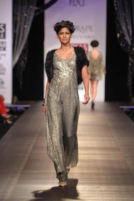 Shantanu & Nikhil Drape A_W 2012, Picture Courtesy Wills India Fashion Week