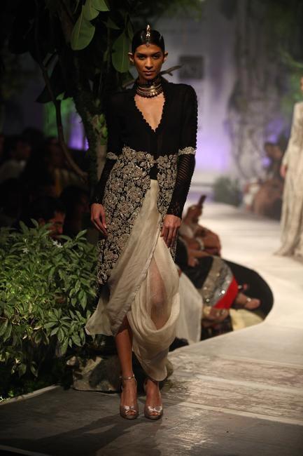 Anamika Khanna - PCJ Delhi Couture Week '13