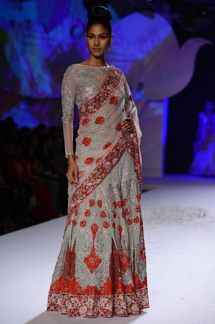Bridal couture by Varun Bahl at PCJ Delhi Couture Week 2013