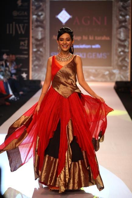 IIJW 2013 - Amrita Rao for Agni