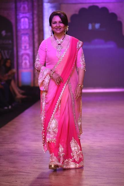 IIJW - 2013 - Sharmila Tagore also walked for Birdichand Ghanshyamdas