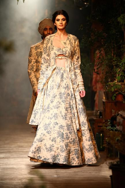 Sabyasachi at Delhi Couture Week 2013