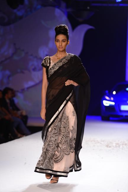 Varun Bahl at PCJ Delhi Couture Week 13