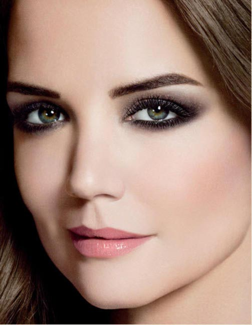 Take inspiration from the Bobbi Brown girl Katie Holmes and use shimmer with smokey eyes
