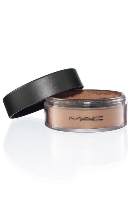 M.A.C Irridescent Powder Loose, Rs 1500