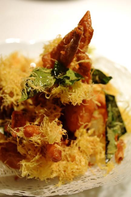 Golden fried Soft Shell Crab with Egg threads, curry leaf and chilli