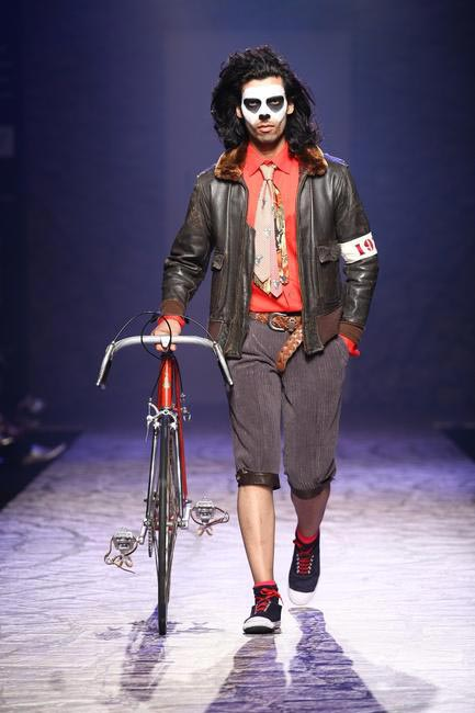 Arjun Khanna at LFW SR 2013 - 3