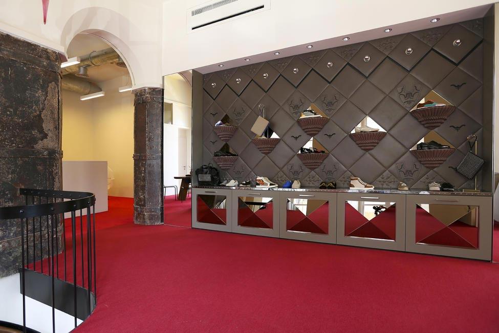 Christian Louboutin Store_12