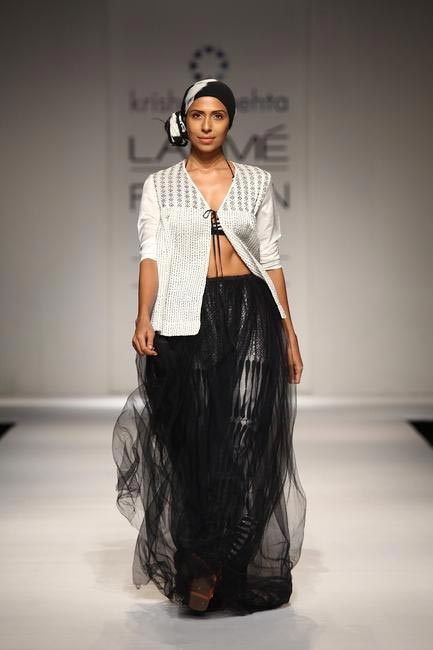 Krishna Mehta at LFW SR 2013 - 1