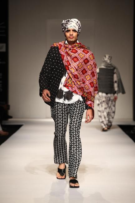 Krishna Mehta at LFW SR 2013 - 2