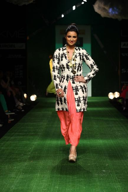 Masaba at LFW SR 2013 - 1
