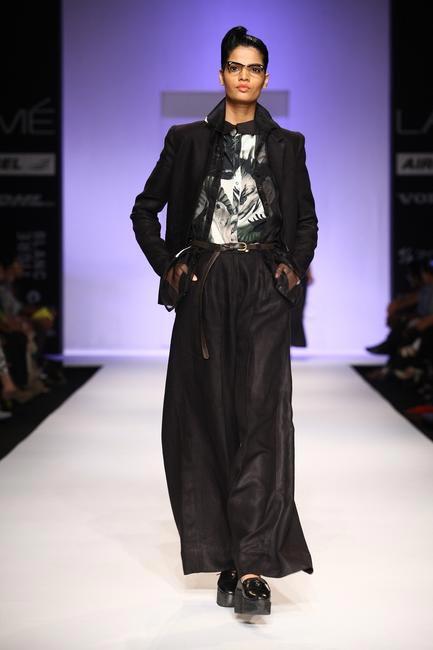Sneha Arora at LFW SR 2013 - 2