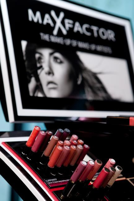 Max Factor's Pop Up counter helped shoppers sample their latest collection