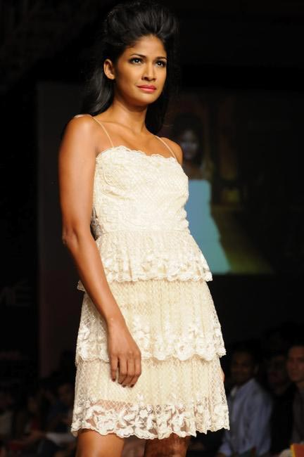 Shehla Khan's SS 13 collection at LFW