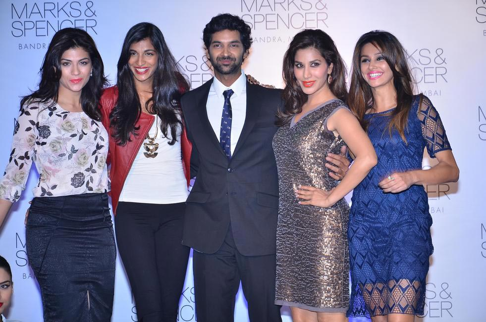 Archana Vijaya, Anushka Manchanda, Purab Kohli, Sophie Choudhry and Shibani Dandekar at the official opening of M&S Bandra store, Mumbai
