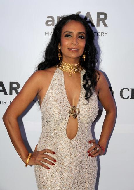 Suchitra Pillai makes a fashion statement with Azva gold jewellery at amfAR India_Photo Credit-LoveGold