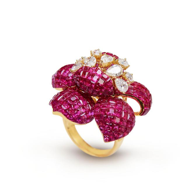 Farah Khan Ruby Ring Set With Rose Cuts. Price on request