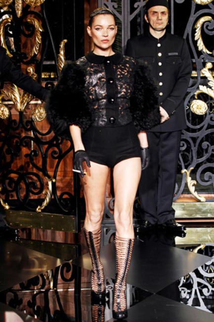 kate Moss walked out smoking in the Fall 2011