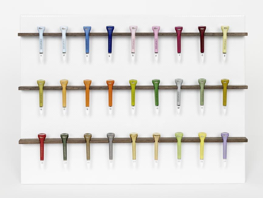 Bernardaud presents the Lacoste with 27 colorful golf tees reminiscent of the family shared passion