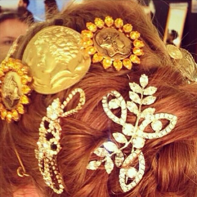 Hair accessories at Dolce & Gabbana via @StefanoGabbana