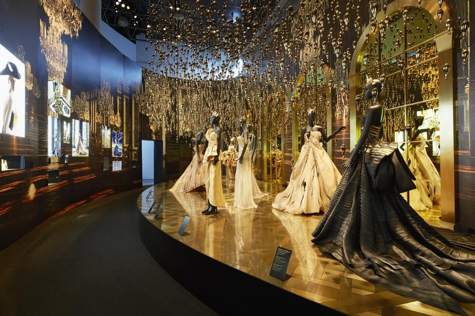 Of gold rain and breath-taking couture at Esprit Dior, Shanghai