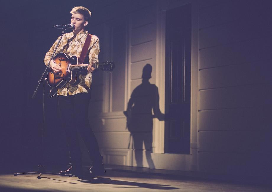 Burberry brings London to Shanghai - British musician George Ezra performing live at the event