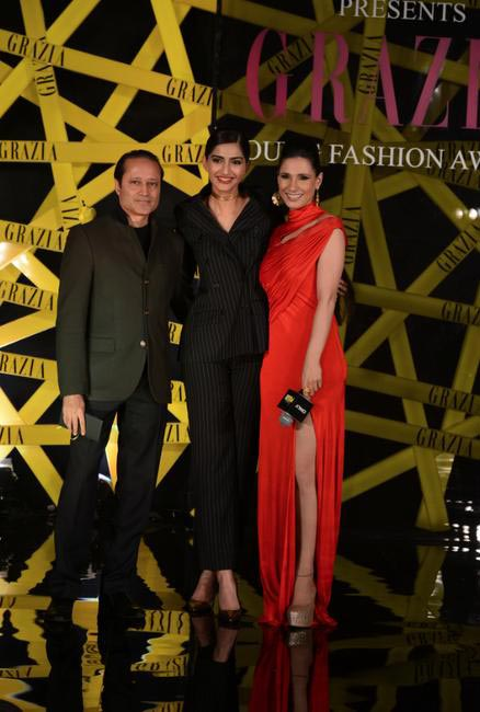 Sonam Kapoor with Vineet Jain and Ramona Arena