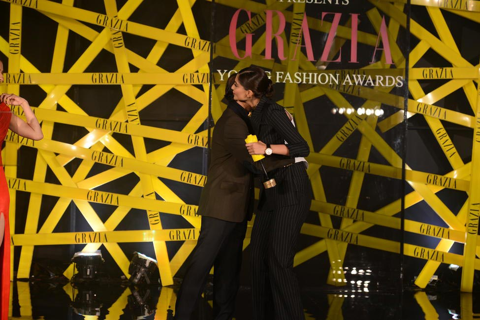 Times Group MD Vineet Jain presented the Grazia Cover Girl Of The Year award to Sonam Kapoor