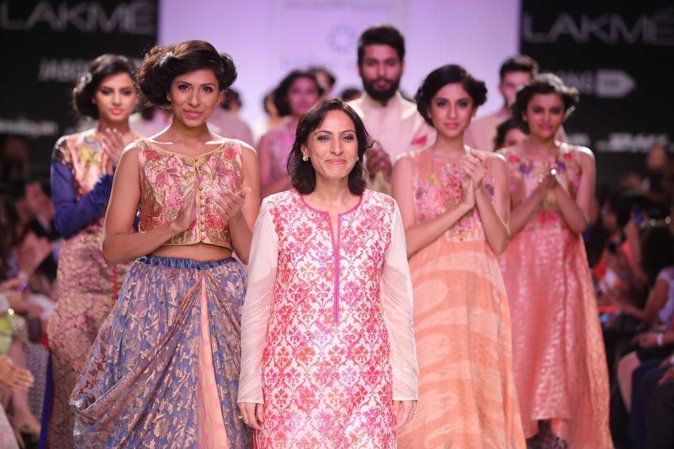 Krishna Mehta takes a bow at LFW 2014
