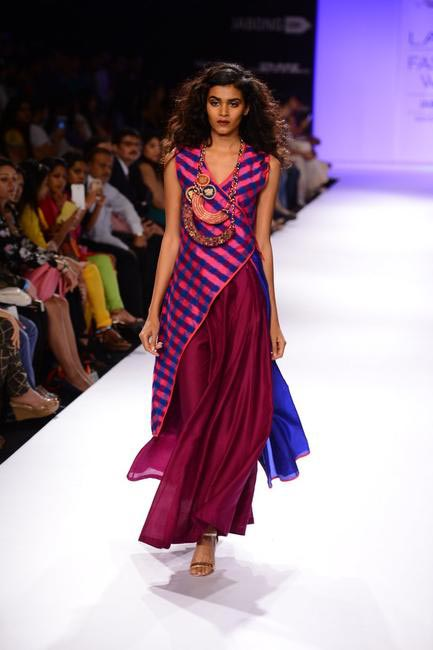 Shruti Sancheti's 'Strands Of Silk' collection for LFW 2014