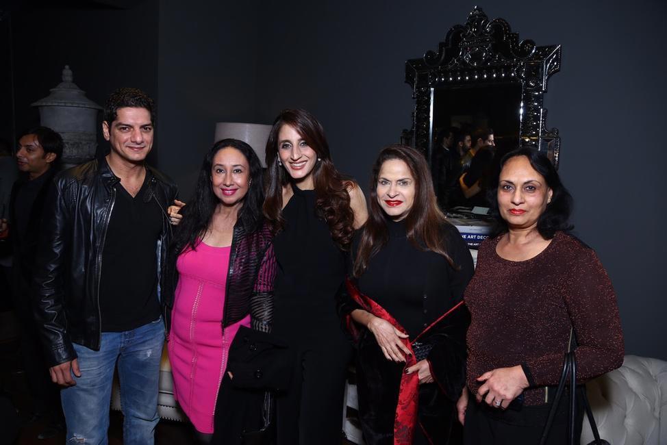 DJ Aqueel, Saba Ali Khan, Farah Ali Khan & Ramola Bachan with a guest