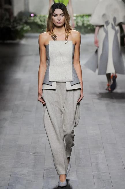 Chic stuff from Vionnet - Paris Fashion Week RTW 2014