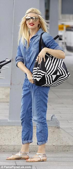 Gwen Stefani carrying Angel Jackson Origami Tote