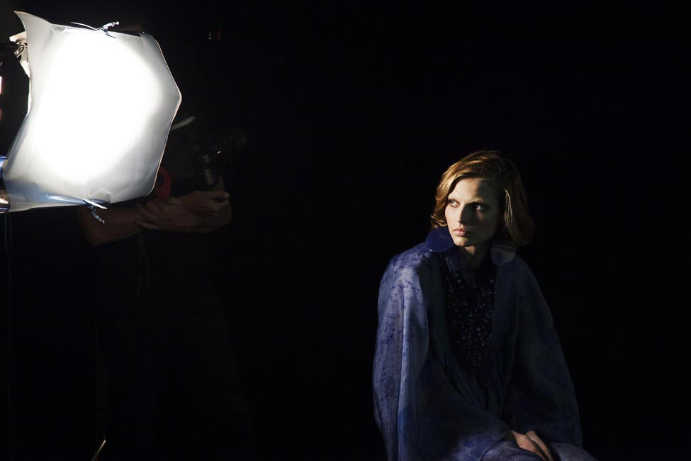 Behind the scenes GIORGIO ARMANI SS 2014  Campaign - Love the use of lighting