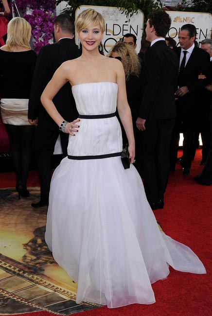 Jennifer Lawrence dressed in a gown from Christian Dior Couture's Fall 2013 collection. She paired it with a Roger Vivier clutch and Neil Lane jewel...