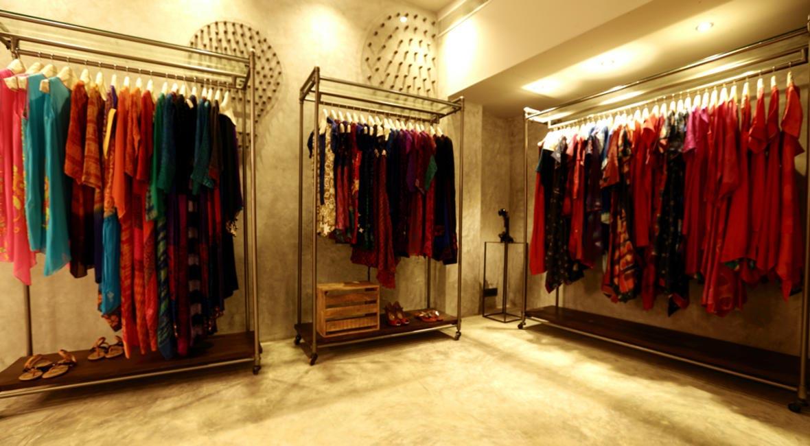 Womenswear at MaalGaadi