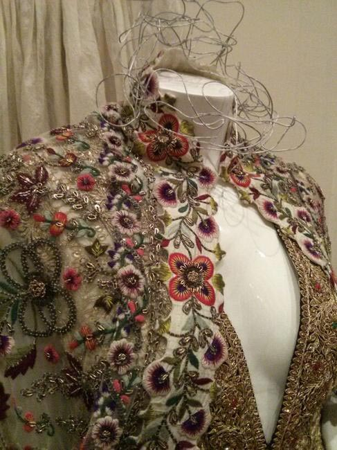 Detailed zari, thread embriodery and floral patterns