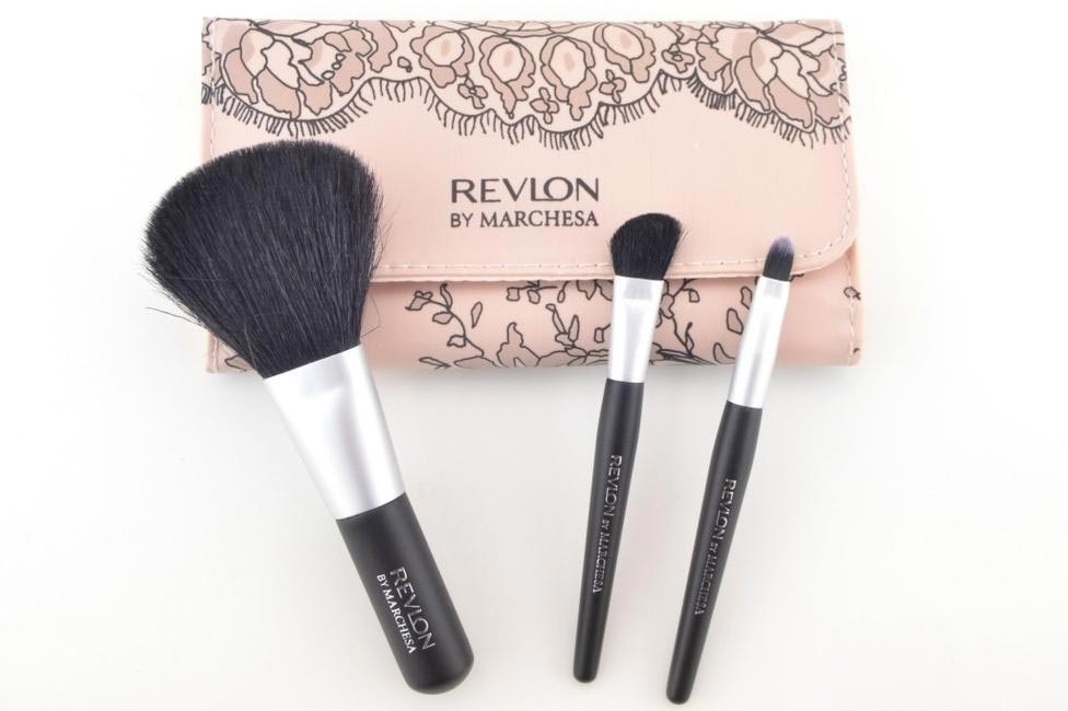 Marchesa Brush Kit, Revlon, INR 840 (Approx)